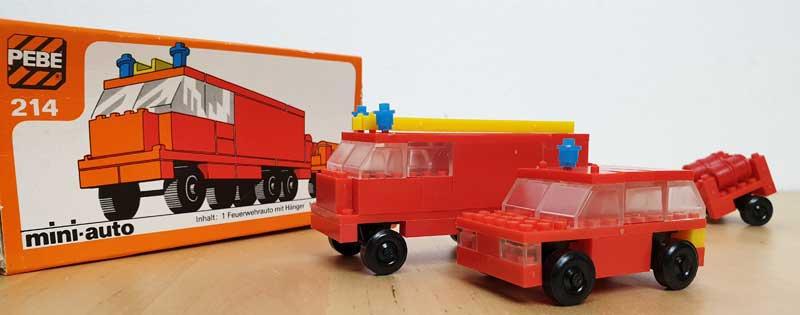 PEBE Feuerwehrauto mit Hänger