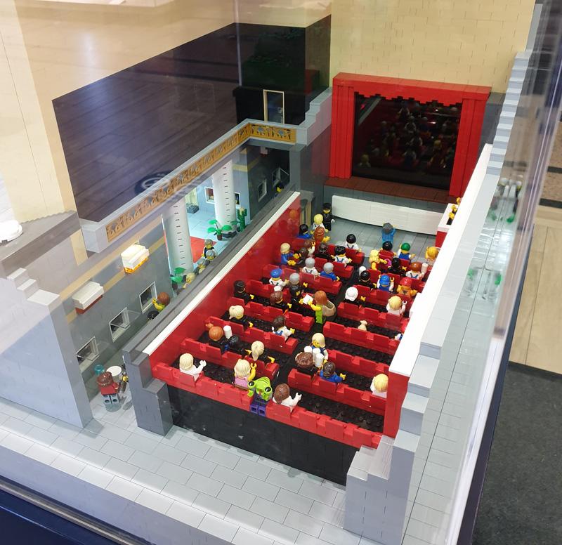 Ausstellung BrickFabrik im Elbe Einkaufszentrum, Kino