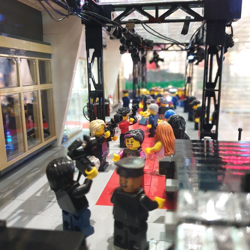 Ausstellung BrickFabrik im Elbe Einkaufszentrum, Kinopremiere